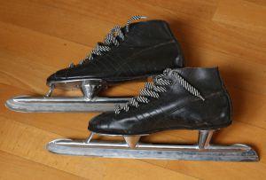 Introduction of blackies - first sideways adjustable skates